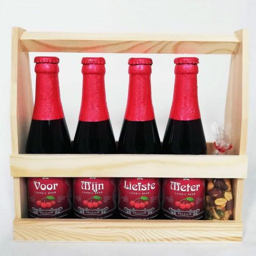 Kriek flesjes met bier stickers -  Voor mijn liefste meter - in houten kratje
