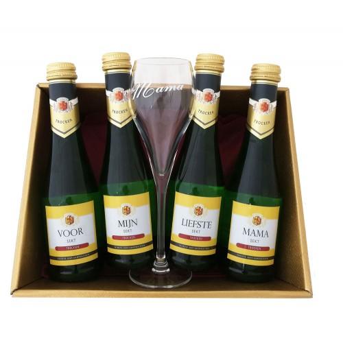 Mousserende Wijn Flesjes met glas:  Voor mijn liefste mama (4 flesjes)
